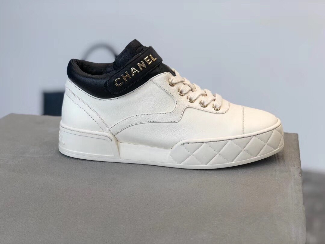 Chanel Strap Sneakers Lambskin Leather G34967 Fall/Winter 2019 Collection, White/Black